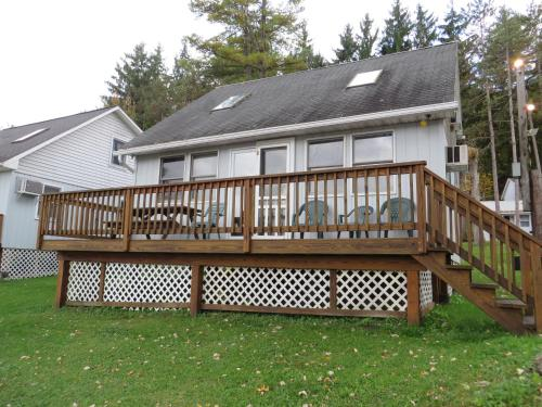 Photo of Bayside Inn & Marina - Three Bedroom Cottage G hotel in Cooperstown