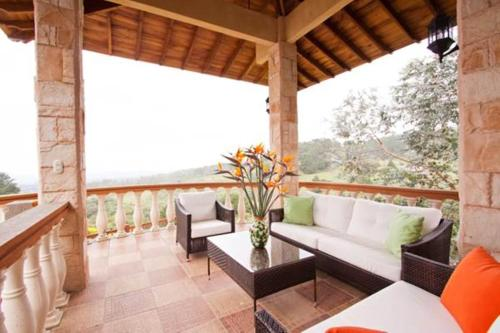 Finca Paraiso Mountain Retreat near San Jose Airport Photo