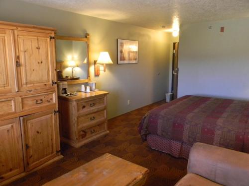 New Summit Inn Photo