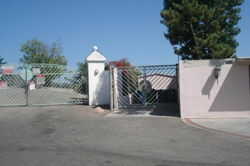 Hollywood Sign and Awesome City Views Three-Bedroom Home - Los Angeles, CA 90068