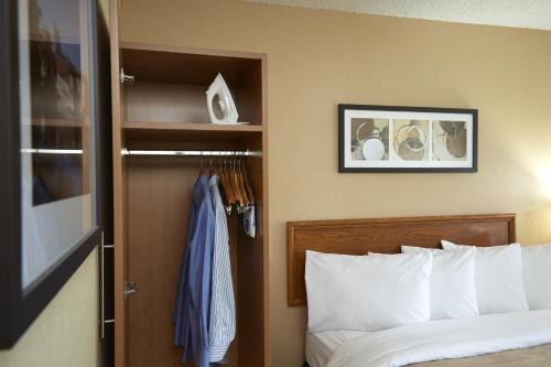 Comfort Inn Pickering Photo