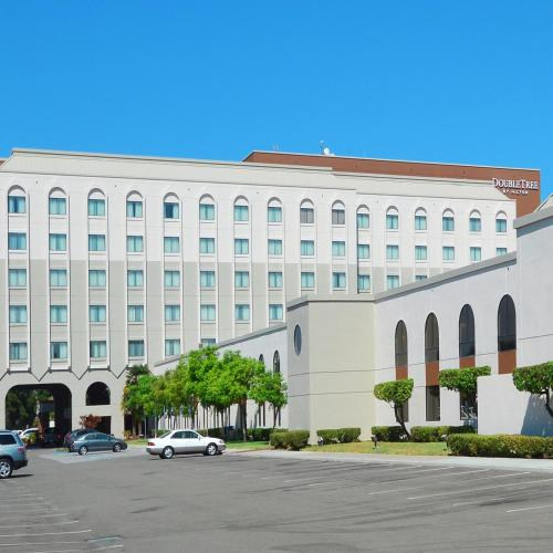 DoubleTree by Hilton Newark-Fremont Photo