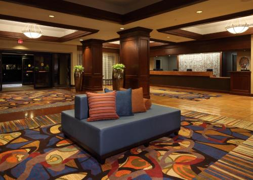 Wyndham Peachtree Hotel and Conference Center Photo