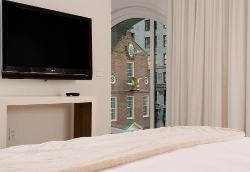 Ames Boston Hotel, Curio Collection by Hilton Photo