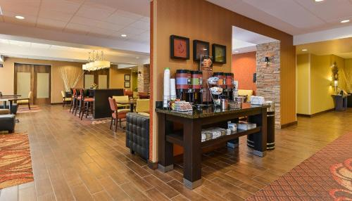 Hampton Inn Clinton in Clinton