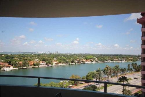 Sea Coast Tower Miami Beach Photo
