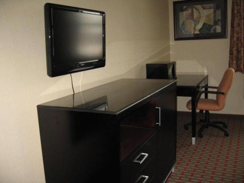 Town House Inn and Suites Photo