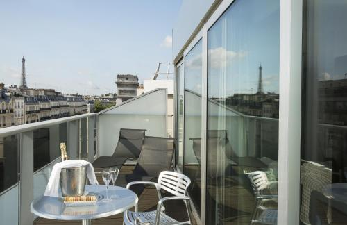 Renaissance Paris Arc De Triomphe Hotel, A Marriott Luxury & Lifestyle Hotel photo 17