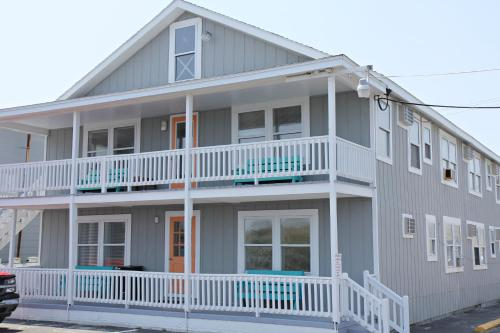 Surfside Lodge Photo