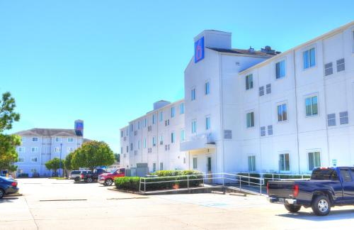 Motel 6 New Orleans - New Orleans, LA 70128