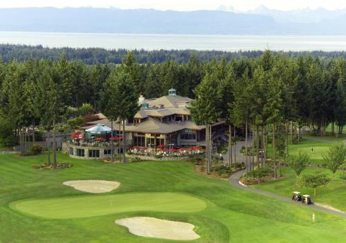 Crown Isle Resort & Golf Community Photo