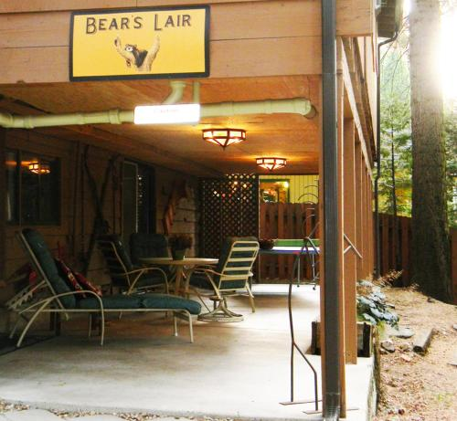 Bear's Lair Photo