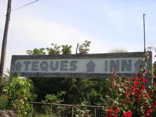 Hotel Teques Inn Photo
