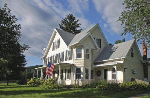Mountain Meadow Inn Bed & Breakfast Photo