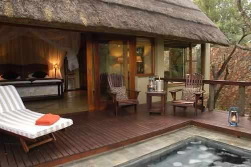 Thornybush Game Lodge Photo