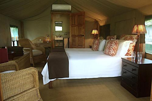 Thornybush N'Kelenga Tented Camp Photo