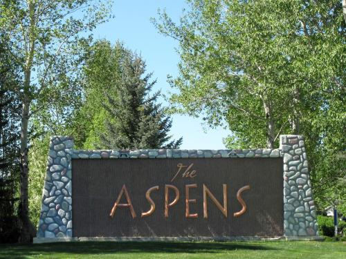 Aspen Condominiums by Rendezvous Mountain Rentals