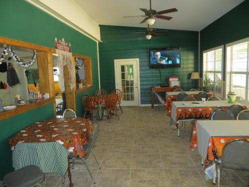 Emerald Lake Nude Resort - Porter, TX 77365