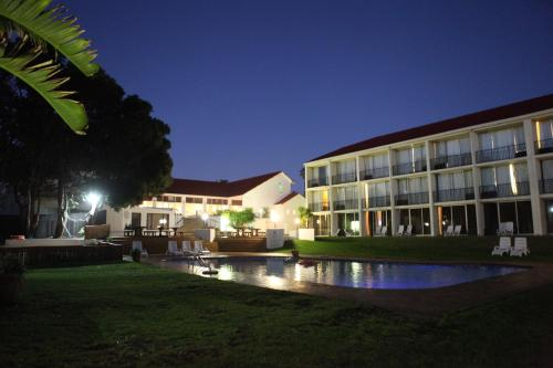 Wilderness Beach Hotel Photo