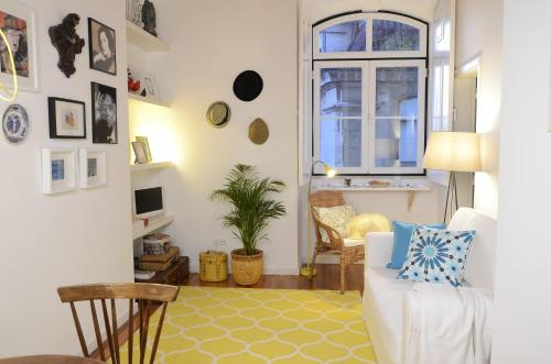 Hotel Apartment Downtown Of Lisbon thumb-3