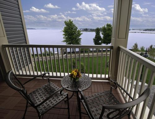 1000 Islands Harbor Hotel Photo