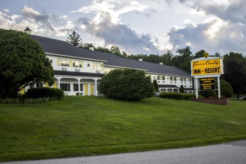 Town & Country Inn & Resort Photo