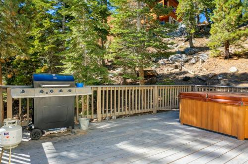 Chef Dave's Lodge by Tahoe Management Services Photo