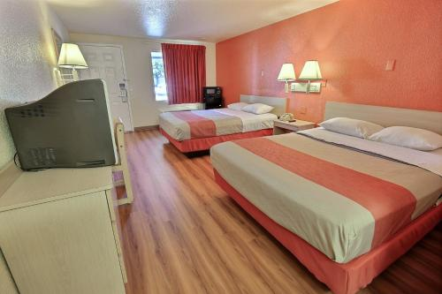Motel 6 Newport News Photo