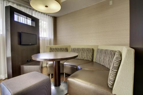 Courtyard by Marriott San Diego Del Mar/Solana Beach Photo