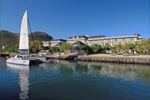 Le Suffren Hotel & Marina Photo