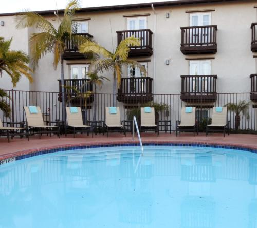 Fairfield Inn & Suites San Diego Old Town Photo