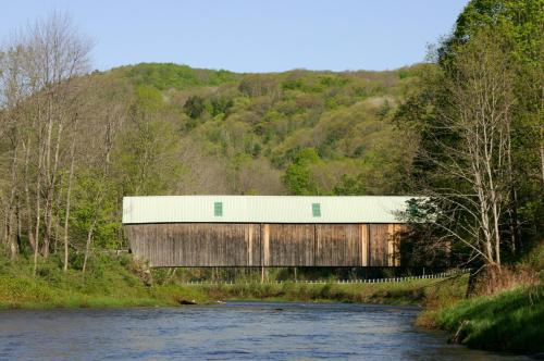 The Lincoln Inn & Restaurant At The Covered Bridge Photo