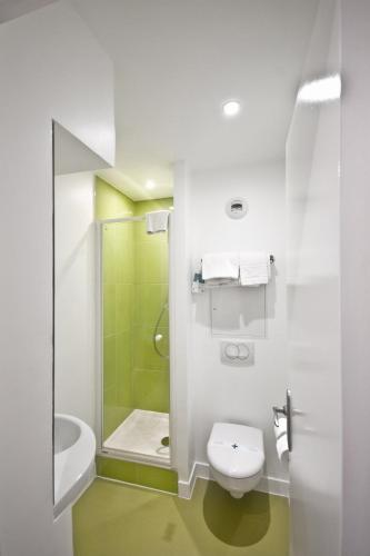 ibis Styles Paris Cadet Lafayette photo 8
