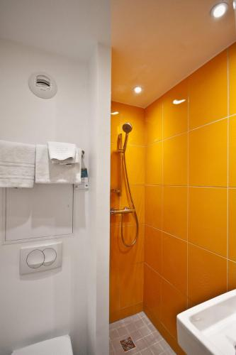 ibis Styles Paris Cadet Lafayette photo 9