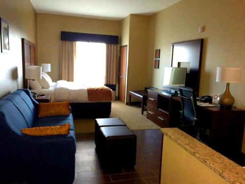 Comfort Suites Bridgeport - Clarksburg Photo