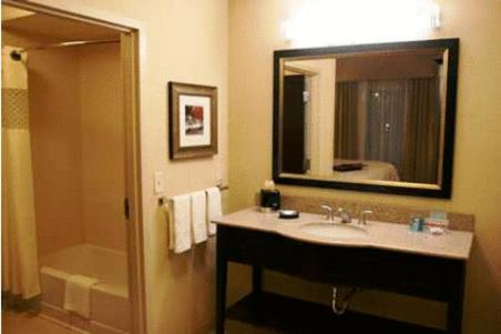 Hampton Inn and Suites Tulsa/Catoosa Photo