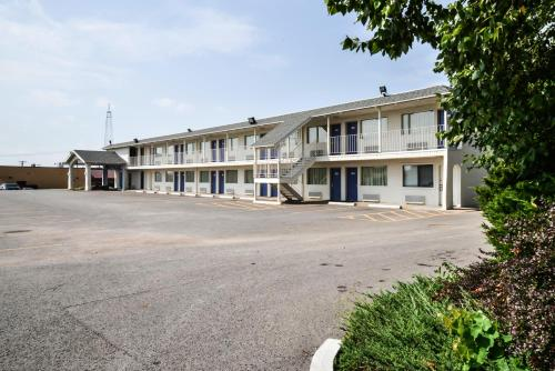 Motel 6 St Joseph Photo