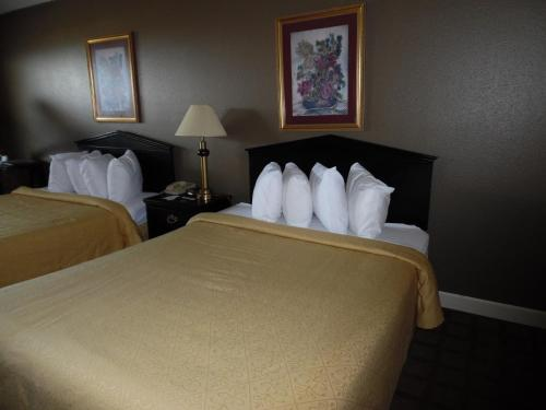 Quality Inn & Suites Hot Springs Photo