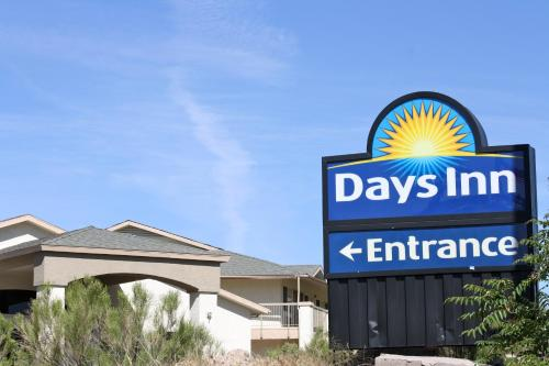 Picture of Days Inn Globe