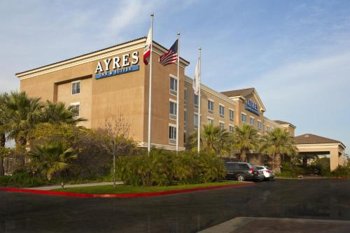 Ayres Inn & Suites Ontario at the Mills Mall Photo