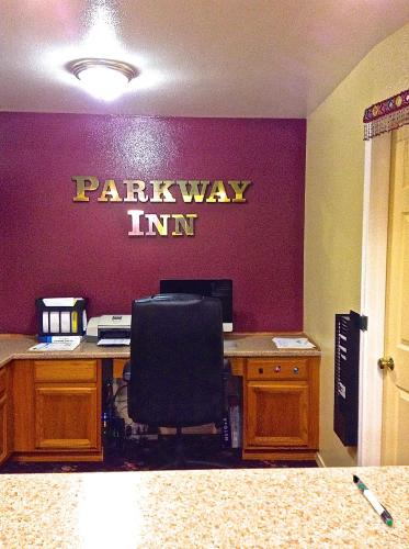 Parkway Inn Photo