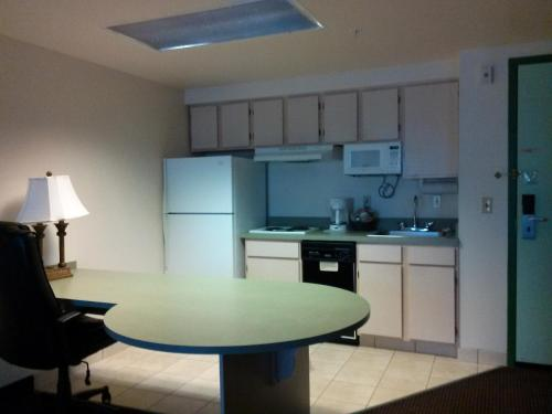 Allure Suites of Fort Myers Photo