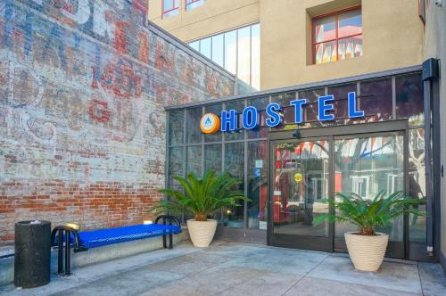 HI Los Angeles - Santa Monica Hostel Photo
