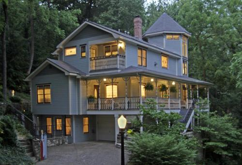 Arsenic and Old Lace Bed & Breakfast Inn Photo