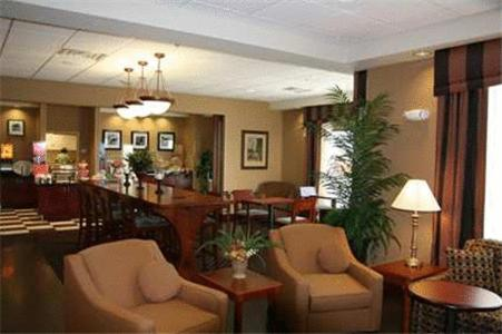 Hampton Inn Elkhorn Lake Geneva Area Photo
