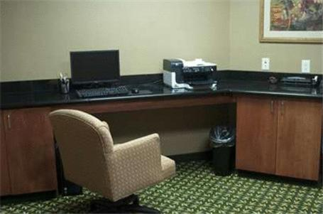 Hampton Inn & Suites Ankeny Photo