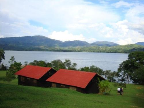 La Sirena Lake Lodge - Laguna Azul Photo