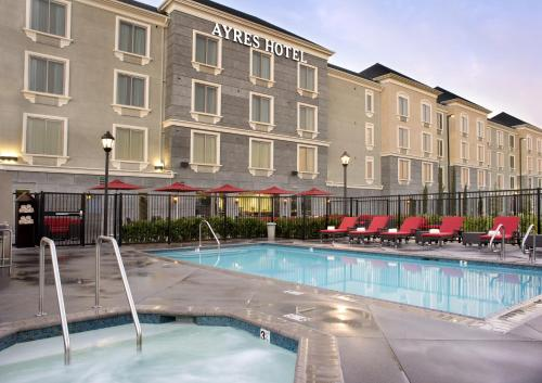 Ayres Hotel Huntington Beach/Fountain Valley Photo