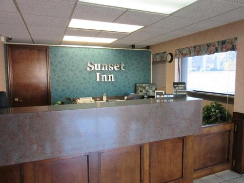 Sunset Inn - Augusta Photo