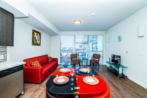 Downtown Athena Apartment Photo